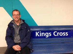 Auf dem Bahnhof in Kings Cross auf dem Weg zum Car Market