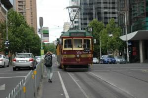 Melbourne bestitzt ein großes Straßenbahnnetz. Hier die kostenlose Ringlinie 35