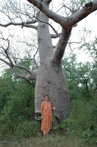 Elke mit Baum